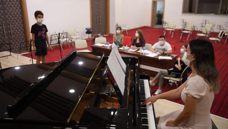 Konyaaltı Belediyesi Müzik Akademisi genç yetenekler arıyor