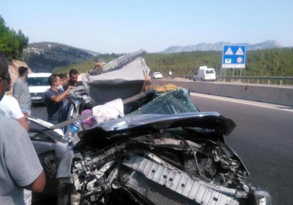 Korkuteli'de kaza: 4 yaralı