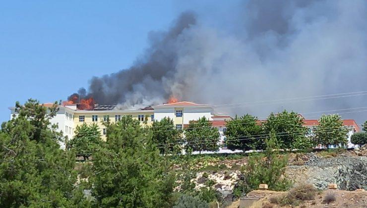 Kumluca'da yurttaki yangına müdahale sürüyor