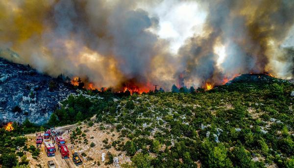 Manavgat'taki büyük yangın 5'inci gününde (4)