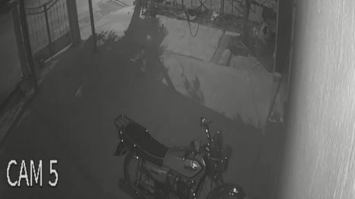 Motosiklet hırsızının rahat tavırları pes dedirtti