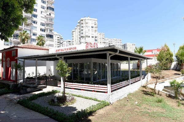 Muratpaşa'dan Antalyaspor taraftarına hediye