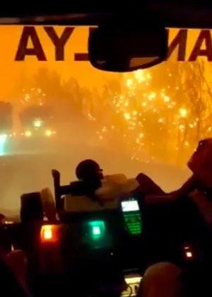 Orman ekiplerinin alevlerin arasında ölümle burun buruna geldiği anlar