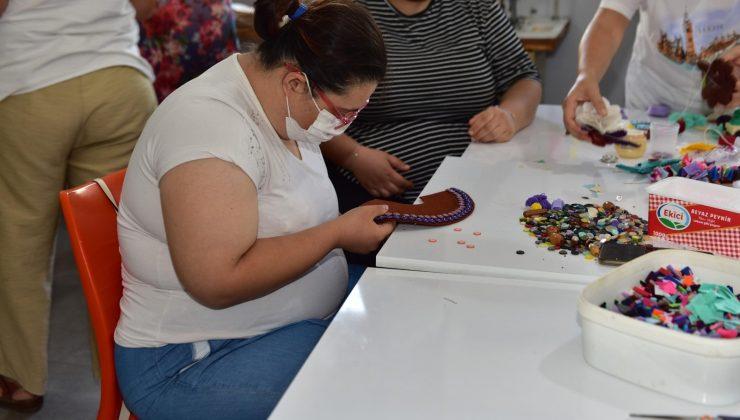 Özel çocuklara seramik ve el sanatları eğitimi