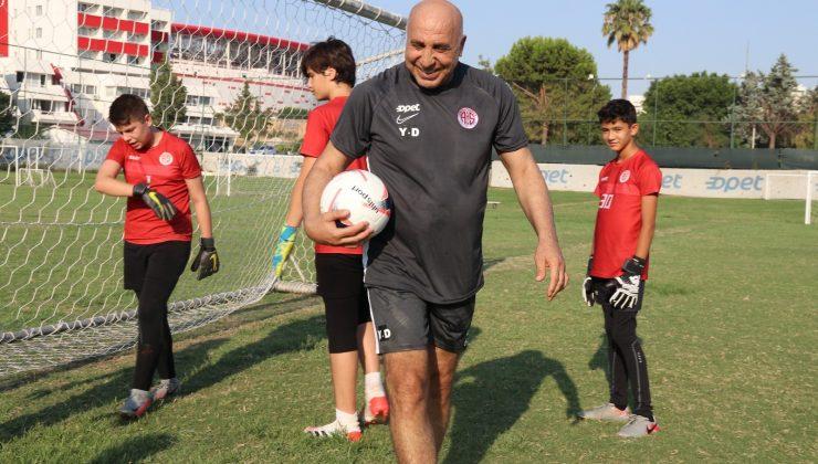 (Özel haber) Kaleci Yaşar Duran, artık başarılarıyla anılmak istiyor
