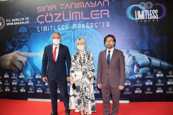 Rektör Özkan: Gençler, lütfen başımıza icat çıkarın