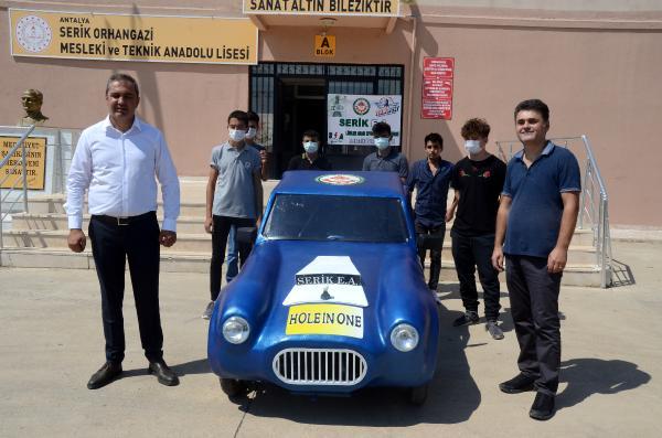 Serikli gençler elektrikli araç üretti