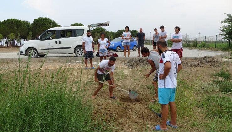 Telef olan 90 kiloluk dev kaplumbağa biyoçeşitlilik müzelerine bağışlanmak için gömüldü
