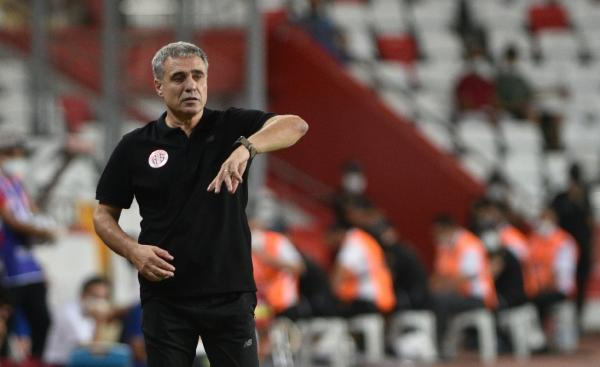 Yanal: Skor sevmek Antalyaspor'a yapılacak en büyük ihanet