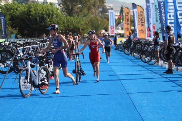 30. Alanya Uluslararası Triatlon Yarışları başladı (EK FOTOĞRAFLAR)