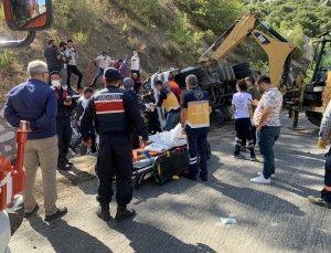 Isparta-Antalya yolunda can pazarı: 2 ölü, 1 ağır yaralı