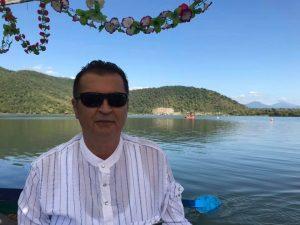 Kalp krizi geçiren emekli öğretmen 5 günlük yaşam mücadelesini kaybetti