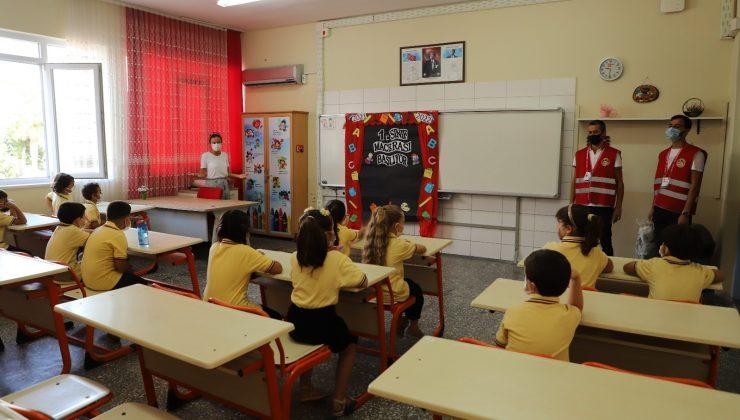 Alanya'da 12 bin dezenfeksiyon kiti okullara dağıtılıyor