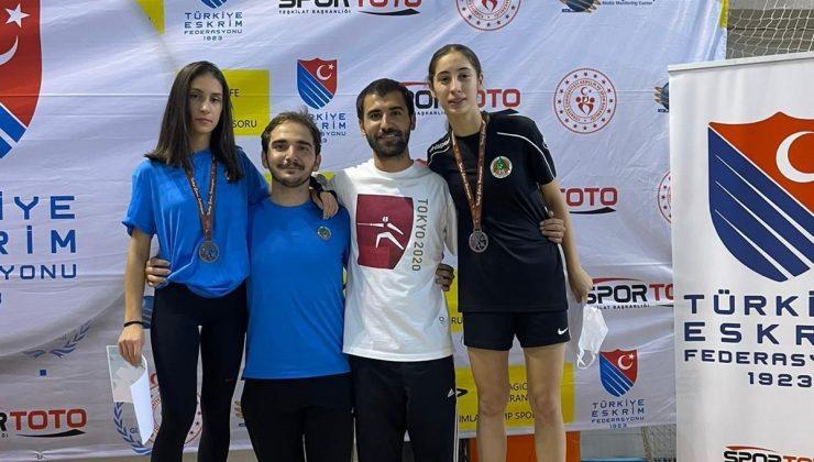 Alanyaspor eskrim sporcuları, Ankara'dan 3 madalya ile döndü
