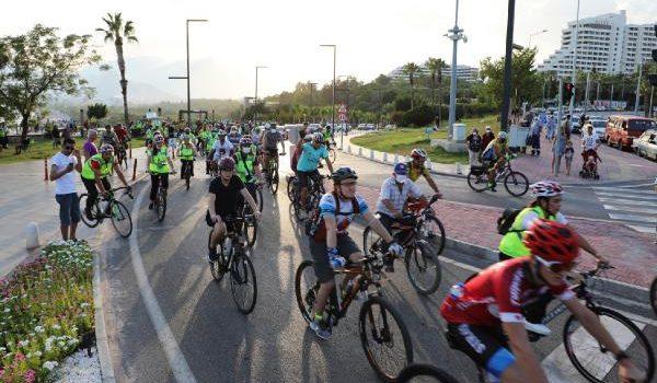 Antalya sağlıklı yaşam için pedalladı