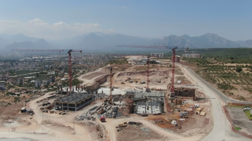 Antalya Şehir Hastanesi tamamlandığında  günlük 35 ile 50 bin hastaya hizmet verecek