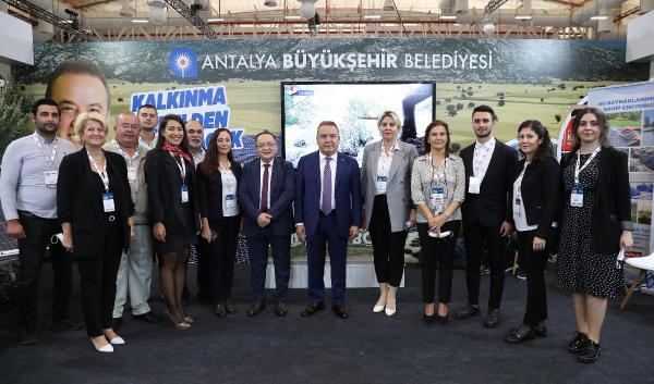 Antalya, Tarım Zirvesi'ne yerelden kalkınma projeleri ile katıldı