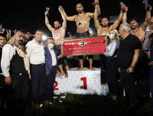 ASAT'ın 3 pehlivanı Merkezefendi güreşlerinde kürsüye çıktı