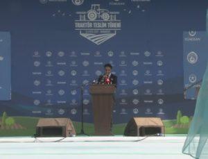 Bakan Çavuşoğlu, Traktör Teslim Töreni'nde açıklamalarda bulundu