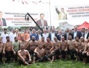 Başkan Böcek, Çanakkale Bayramiç Yağlı Güreşleri'ne katıldı