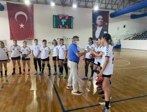 Başkan Topaloğlu, Hentbol Kadınlar Süper Lig karşılaşmasını izledi