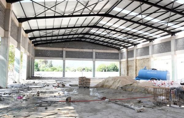 Beton fabrikasında çalışmalar devam ediyor