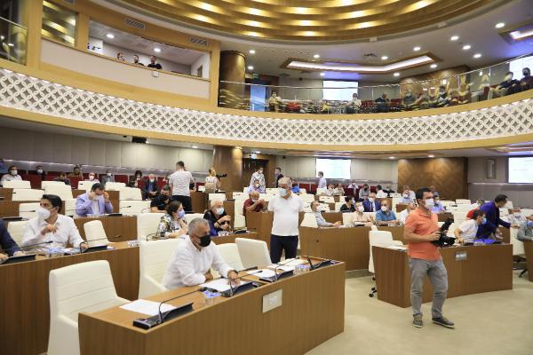 Büyükşehir Meclisi'nde Avrupa Bölgeler Meclisi'nden ayrılma kararı