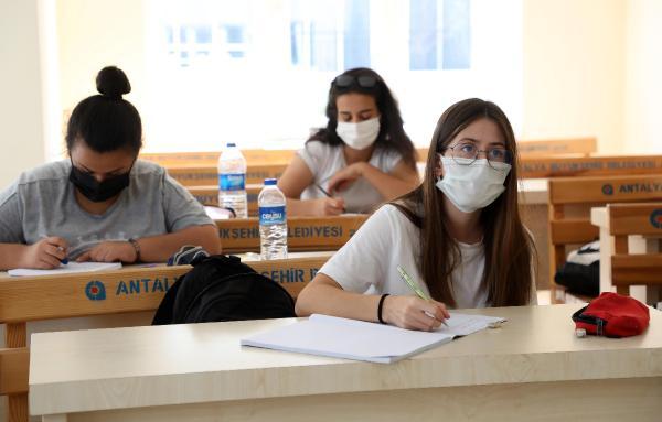 Büyükşehir'in üniversite hazırlık kurslarına yoğun ilgi