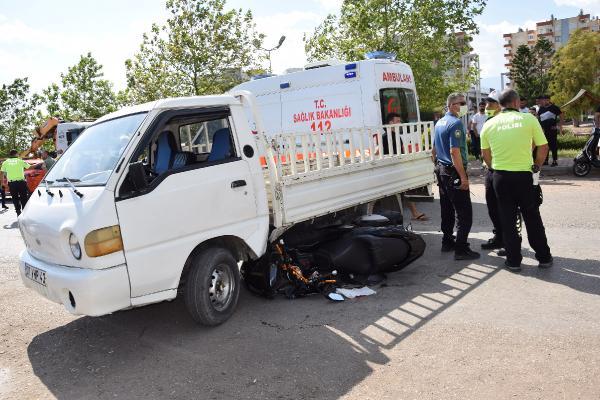 Çırak denemek için aldığı kamyonetle kaza yaptı