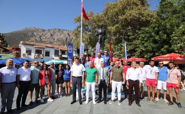 Dalışta Türkiye Şampiyonası Kaş'ta yapıldı