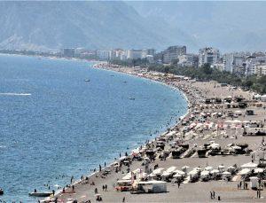 Doğuda kar, Antalya'da yazdan kalma günler