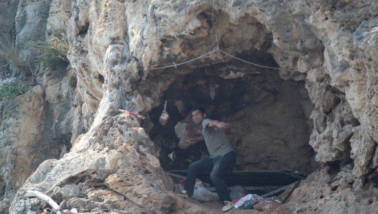 Falezlerdeki mağarada ölümle burun buruna yaşama zabıta müdahalesi