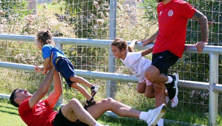 FT Antalyaspor, Adana Demirspor'la çıkış arıyor