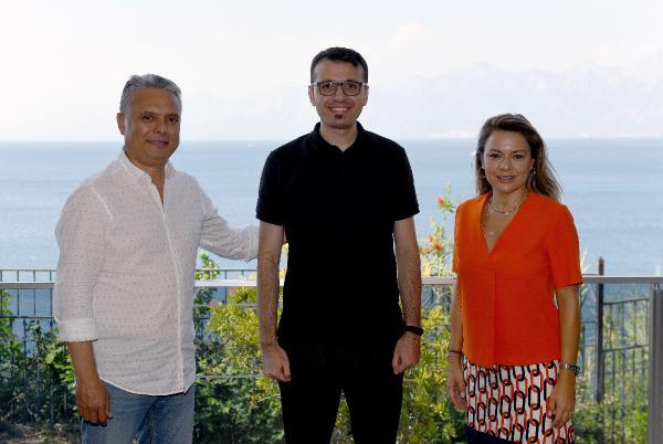 Gallenkuş'un dijital kolaj fotoğraf sergisi Antalya'da