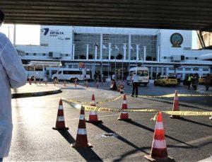Havalimanındaki tramvay durağından aşağı atlayan turist hayatını kaybetti