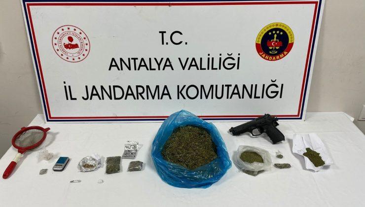 İhbar üzerine aranan evde farklı türlerde uyuşturucu bulundu