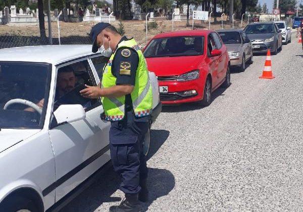Jandarma 18 bin 500 sürücüyü kontrol etti