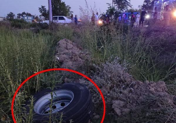 Kamyonun fırlayan tekerlerinden biri Lamia'yı öldürdü, diğeri zincirleme kazaya neden oldu