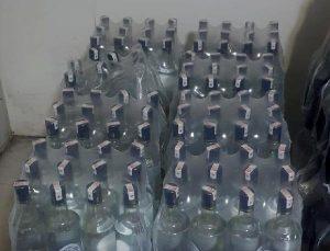 Kemer'de otele sahte içki baskını