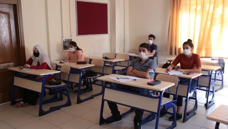 Kepez'de YKS kursuna katılan 150 öğrenci, üniversiteli oldu