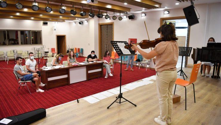 Konyaaltı Belediyesi Müzik Akademisi'ne 405 başvuru