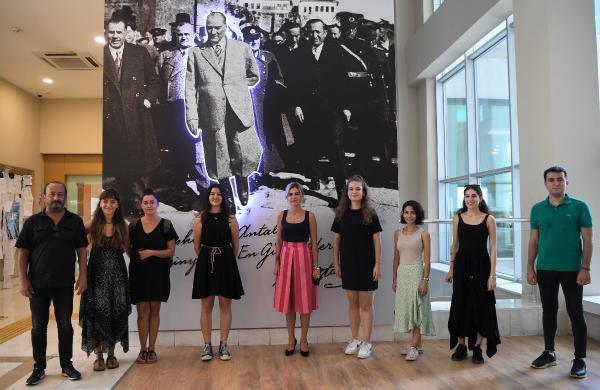Konyaaltı'nda tiyatrocu gençler hayallerine kavuştu