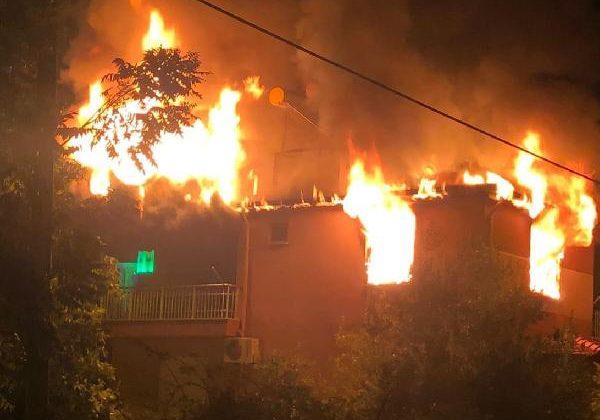Mahallede korkutan yangın