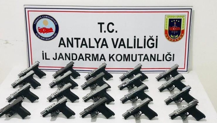Manavgat'ta kaçak silah operasyonu: 2 gözaltı