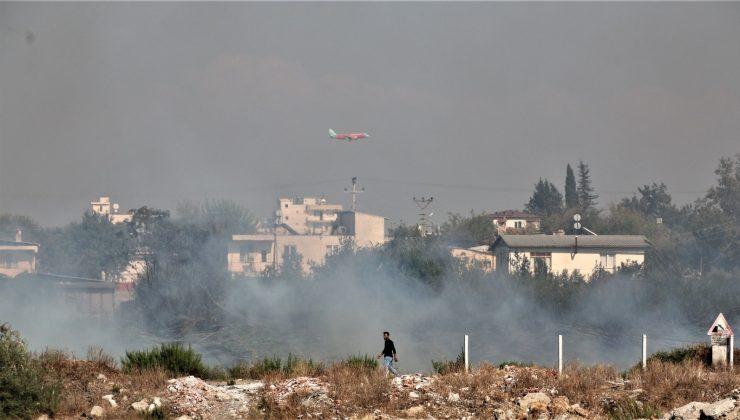 Mısır tarlası yandı, dumandan göz gözü görmedi
