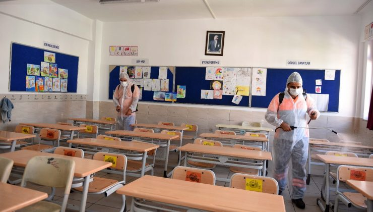 Muratpaşa'da yüz yüze eğitim öncesi okullar dezenfekte edildi