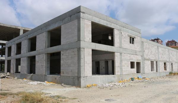 Serik Kültür Merkezi Düğün Salonu kaba inşaatı tamamlandı