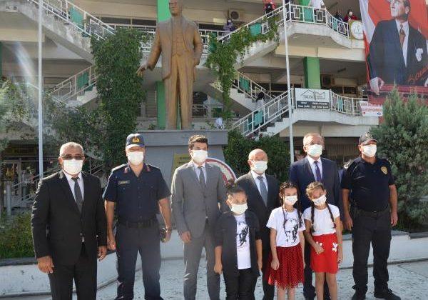 Serik'te İlköğretim Haftası kutlandı