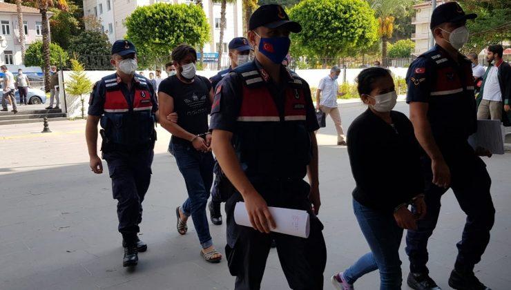 Silah kaçakçıları, adliyeye çıkartıldı