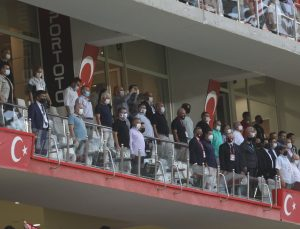 Süper Lig: Antalyaspor: 0 – Beşiktaş: 0 (Maç devam ediyor)